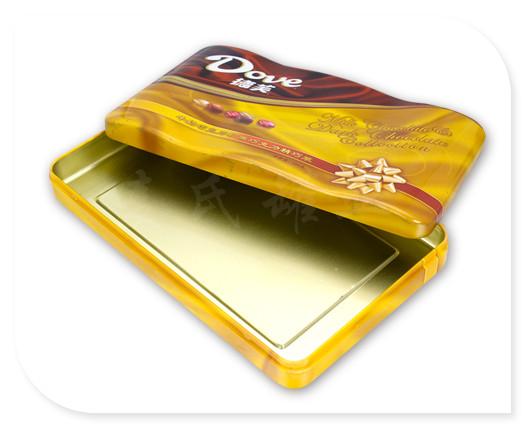 这款巧克力铁盒为两片式内卷线盖结构